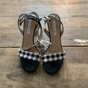 Diane Von Furstenberg heels size 9 worn like new